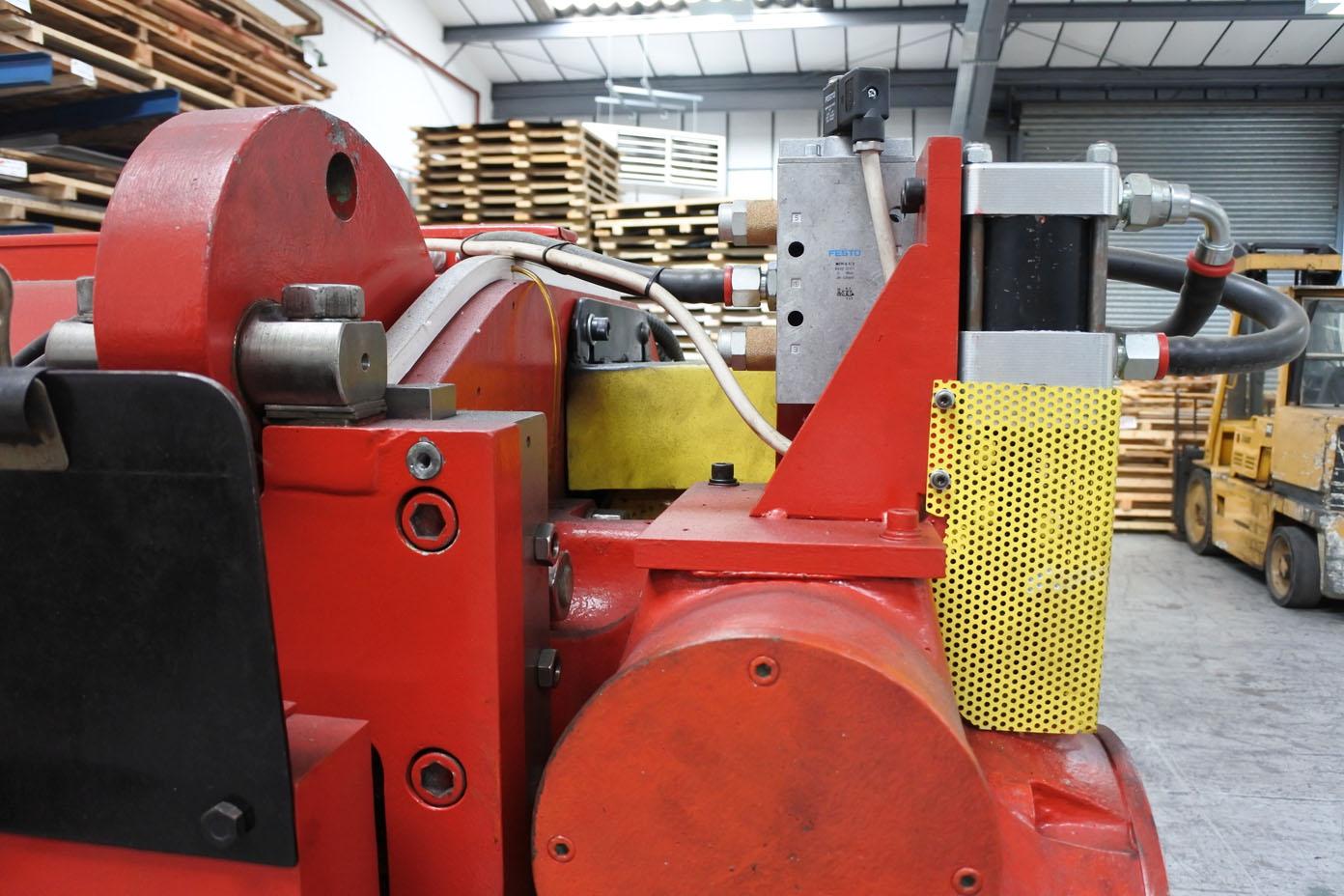 Used CINCINNATI 1012 Auto Shear. Capacity 12' x 10swg